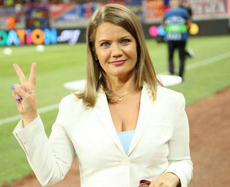 Ioana Cosma comentator femeie protv